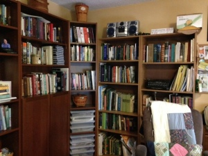 Cindy Thomson's home office library.